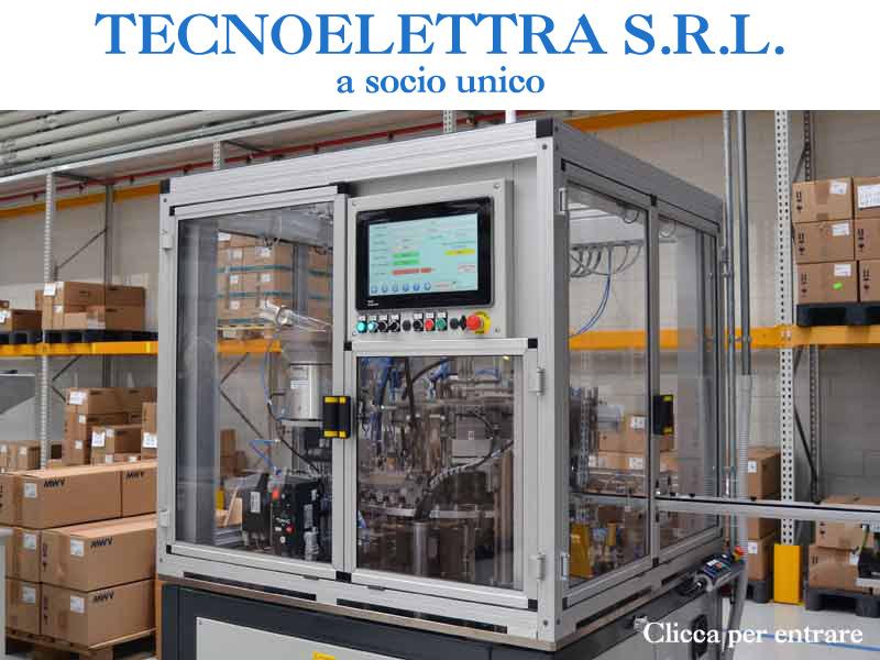 Macchina automatica per inserimento pastiglie o micro diffusori su tasti erogatori per aerosol